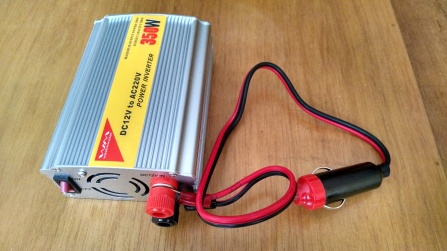 Convertidor de voltaje 12V a 220V