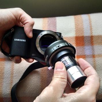 2. Colocando el adaptador T (tal como si fuera otro lente).