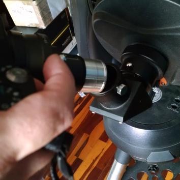5. Colocando la cámara al diagonal del telescopio.