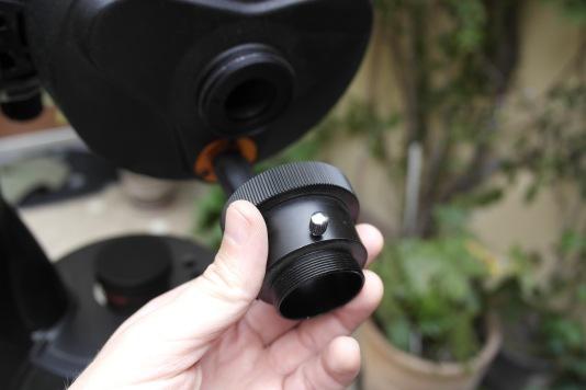 """Parte posterior del telescopio y el """"visual back"""" de 1.25 pulgadas."""